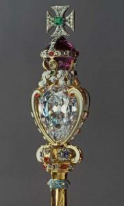 Diamantul Cullinan I, monant pe manerul sceptrului