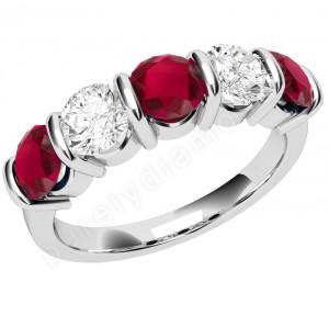 Diamantul solidifica relatiile